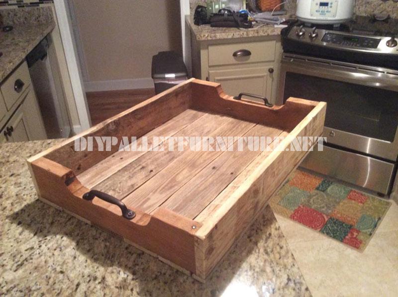 plateau avec planches de palettesmeuble en palette meuble en palette. Black Bedroom Furniture Sets. Home Design Ideas