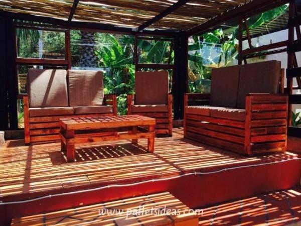 Porche incroyable meublé avec des palettes 1