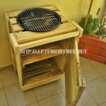 Barbecue construit avec palettes