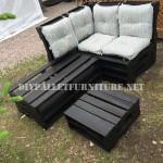 Canapé d'angle à l'aide des palettes