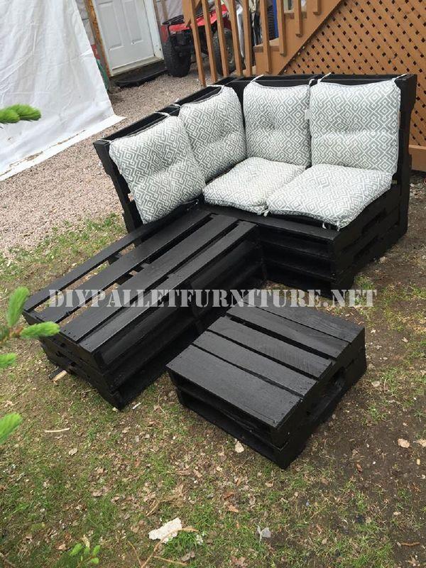 canap d angle l aide des palettesmeuble en palette. Black Bedroom Furniture Sets. Home Design Ideas