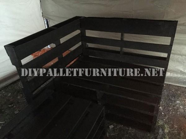 Canapé d'angle à l'aide des palettes 2