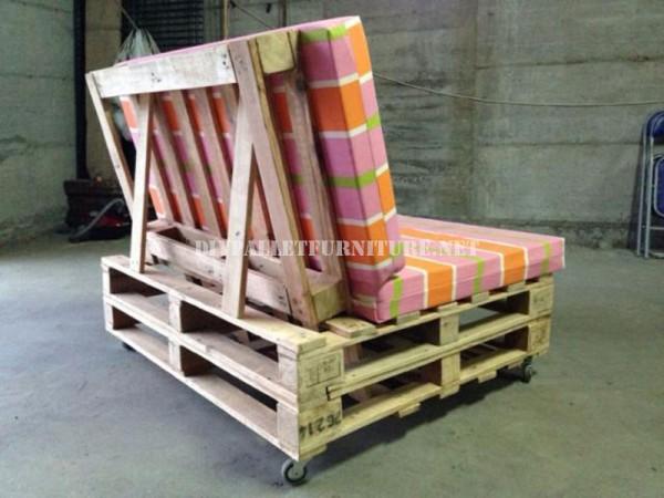 Canapé-mobile avec des palettes 2