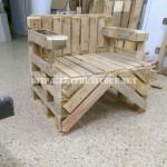 Chaise construite avec des palettes