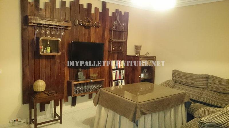 meubles pour le salon fait avec palettes 1meuble en palette meuble en palette. Black Bedroom Furniture Sets. Home Design Ideas