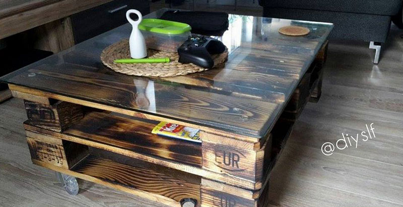 pallet table bassemeuble en palette meuble en palette. Black Bedroom Furniture Sets. Home Design Ideas