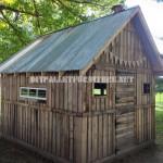 Petite maison avec des palettes