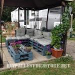 Salon de jardin avec palettes