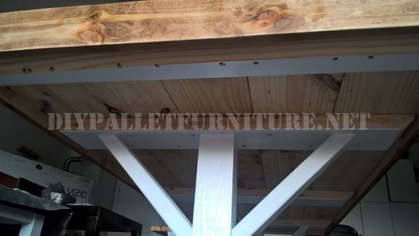 Table d'extérieur et des bancs faits de palettes 3