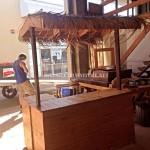 Bar de style hawaïen avec des palettes