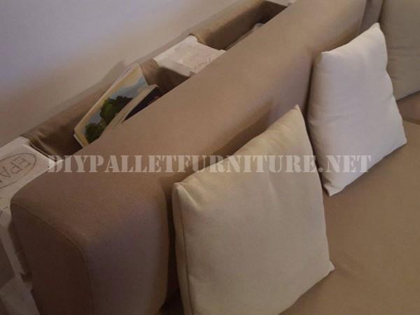 Canapé et magazine rack avec palettes 2