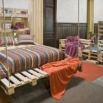 Chambre entièrement meublée avec des palettes