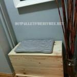 Coffre et le siège faits avec des planches de palettes