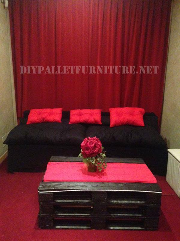 meubles de palettes pour un salonmeuble en palette meuble en palette. Black Bedroom Furniture Sets. Home Design Ideas