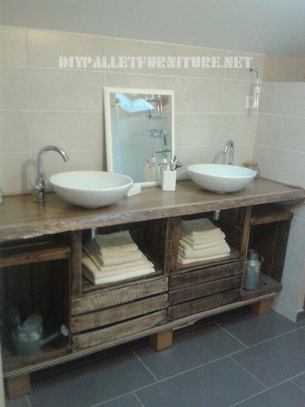 Salle de bains comptoir en utilisant des bo tes de for Comptoir de salle de bain