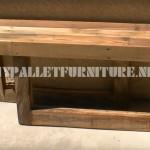 Vidéo de la façon de construire un banc avec seulement 3 palettes