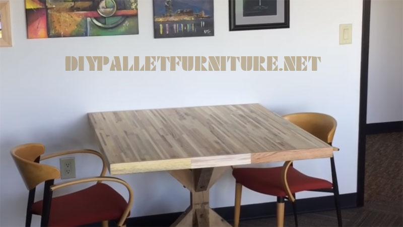 Vidéo sur la façon de faire une table pour des réunions avec des planches de palettes 2