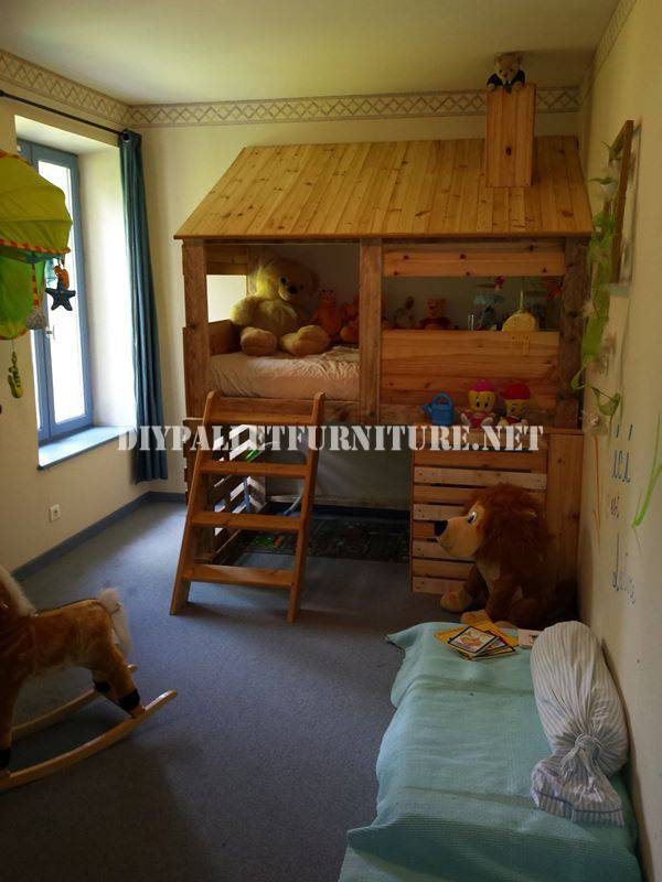 cabane chambre cheap cabane chambre duenfant la bulle de solenne with cabane chambre location. Black Bedroom Furniture Sets. Home Design Ideas