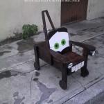 """Chaise en forme de """"Rusty"""""""