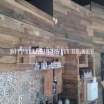 Coiffure décoré à l'aide de palettes planches