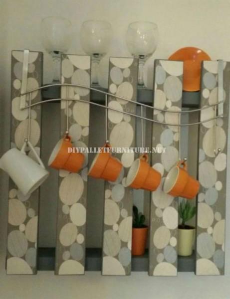 Hanger polyvalente avec une seule palette 1