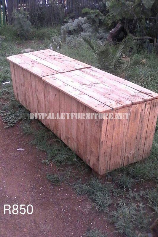 boîte extérieure avec des palettes 2