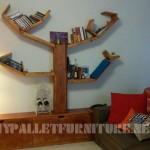 Étagères et des meubles pour la salle de séjour avec la forme de l'arbre