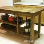 Comptoir de cuisine faite avec palettes planches