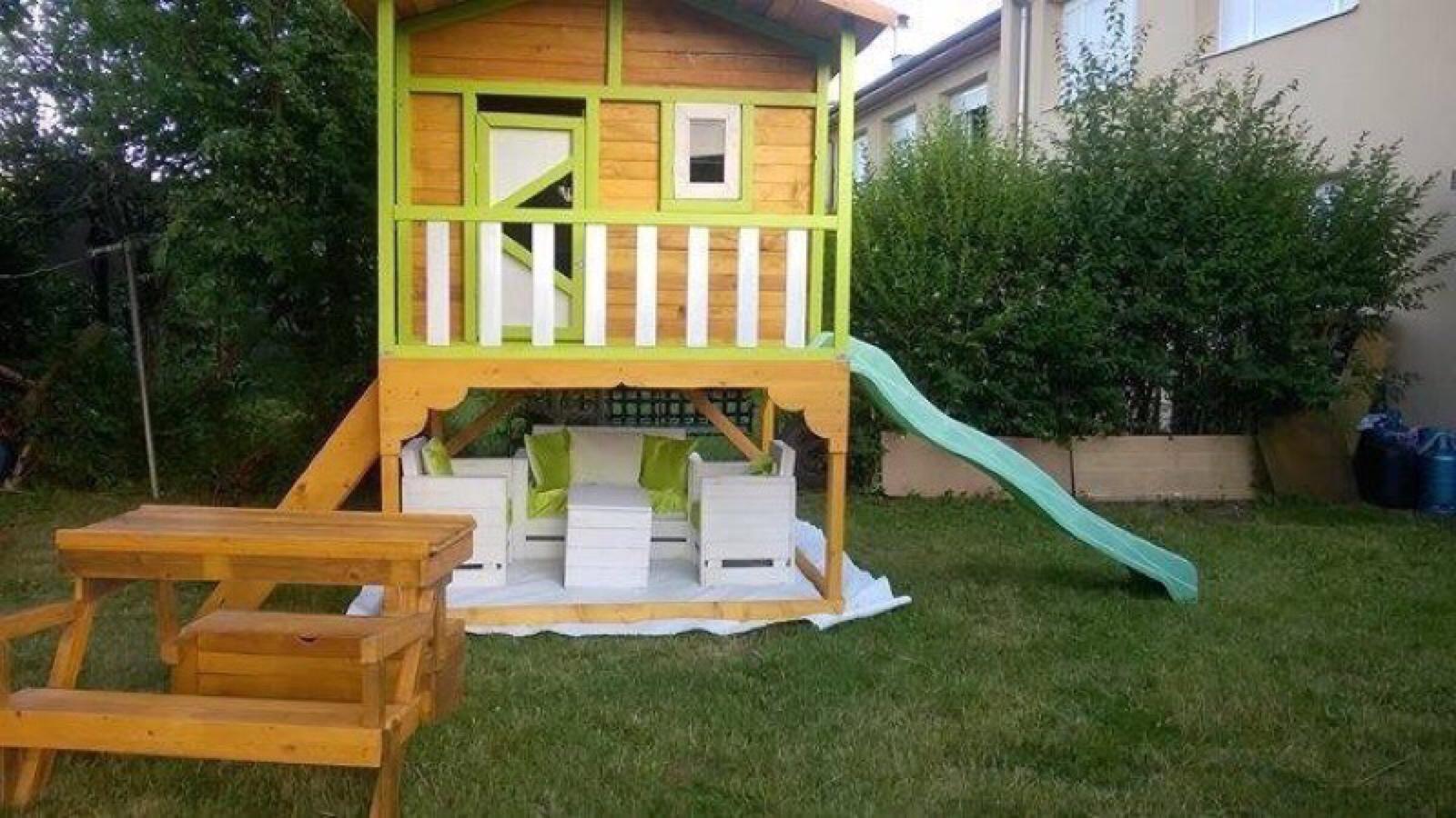 petite cabane de jardin pour les enfantsmeuble en palette meuble en palette. Black Bedroom Furniture Sets. Home Design Ideas