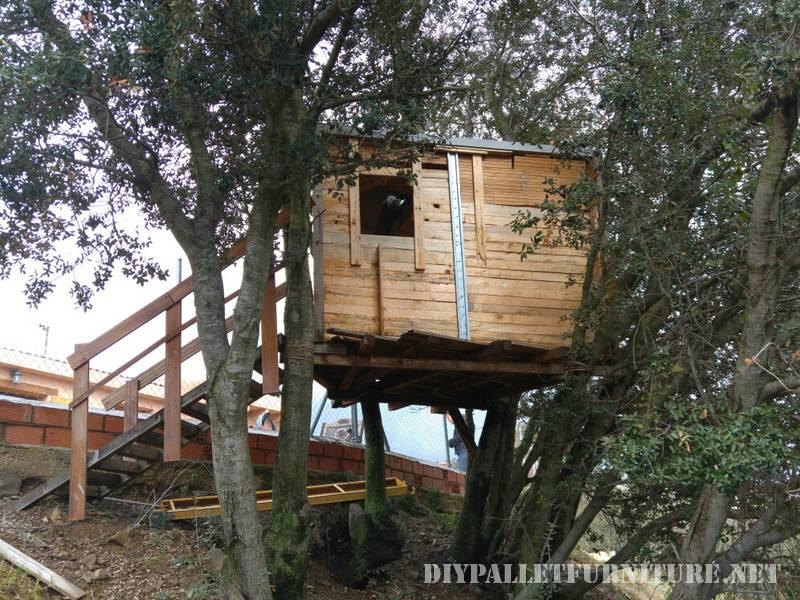 A Treehouse avec des palettes 1