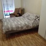 Cadre de lit fait avec des palettes