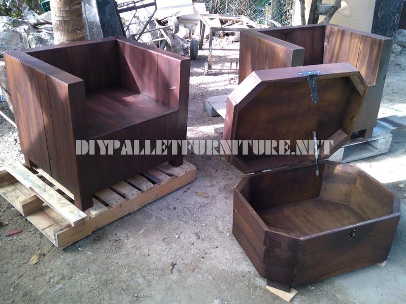 Les fauteuils et table tronc avec des palettes 2