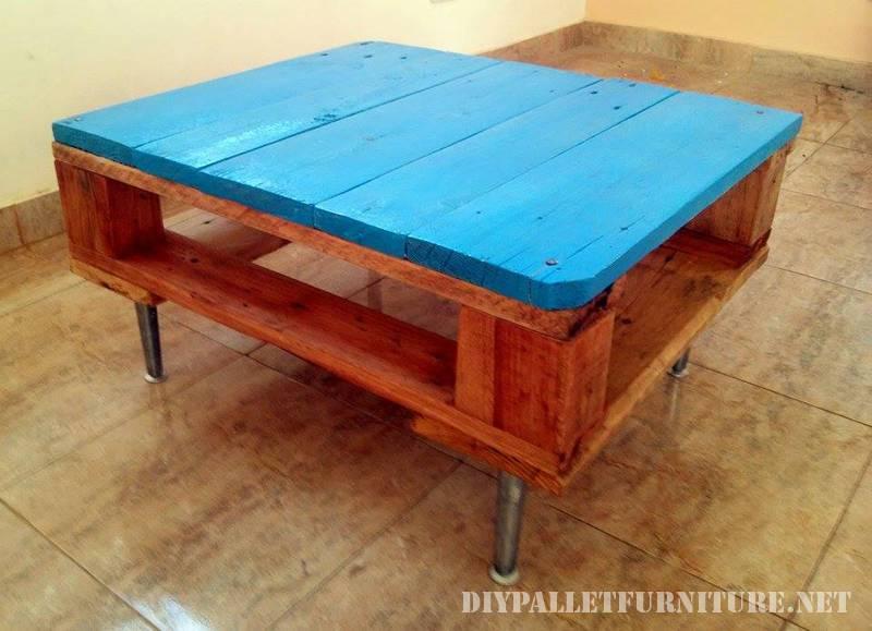 Petite table avec une palette 2