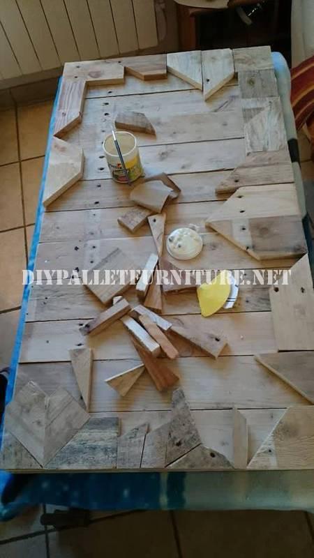 Table construit avec des pièces en bois 2