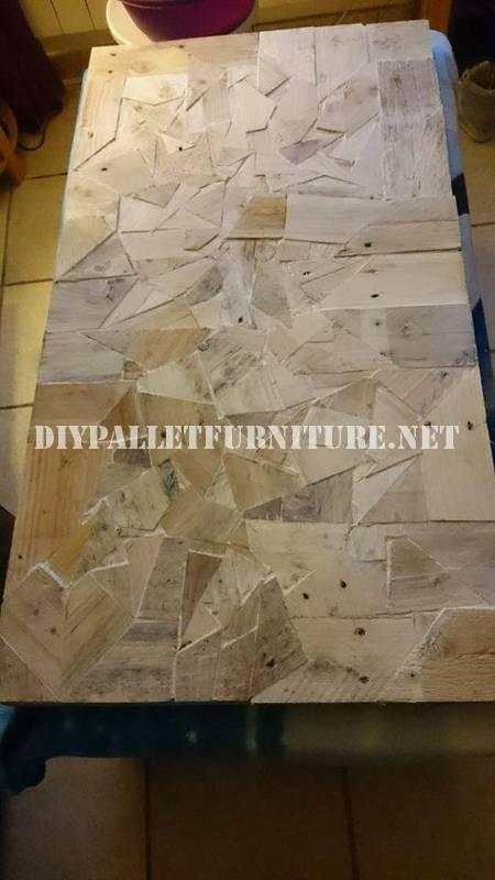 Table construit avec des pièces en bois 5