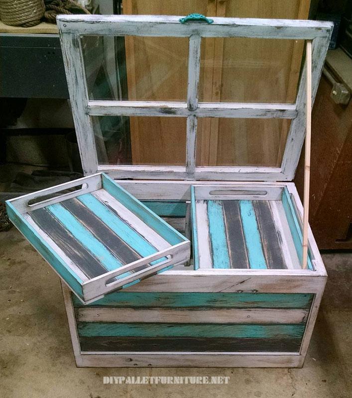 Table en verre avec des palettes 1