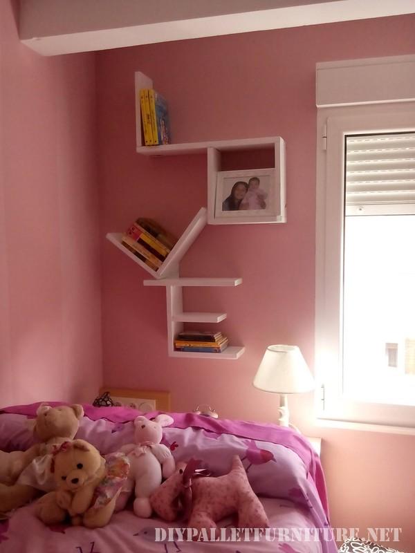 tag re avec palettes planches 2meuble en palette meuble en palette. Black Bedroom Furniture Sets. Home Design Ideas