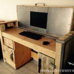 Bureau pliable avec un PC