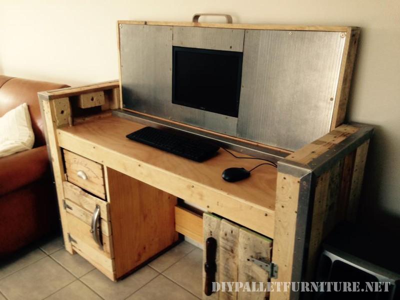 Bureau pliable avec un PC 3