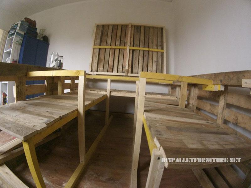 Cadre de lit avec un espace de stockage à l'intérieur 3