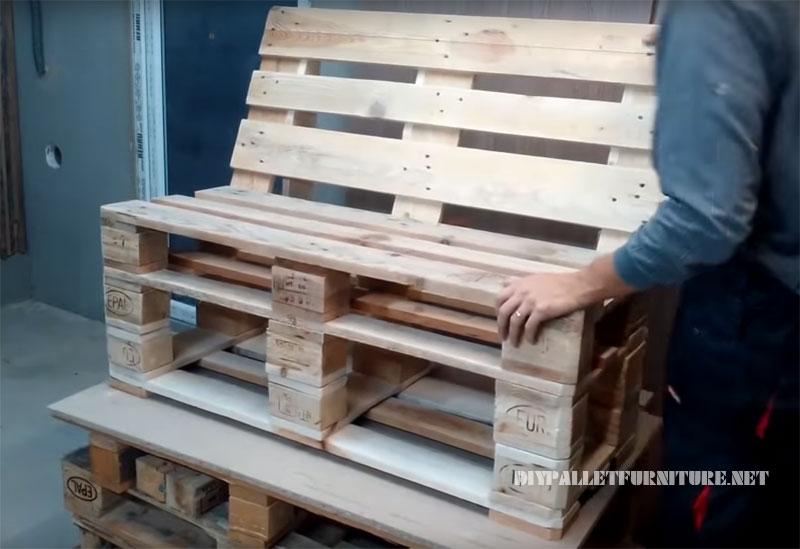 Comment faire un canapé avec des palettes 1