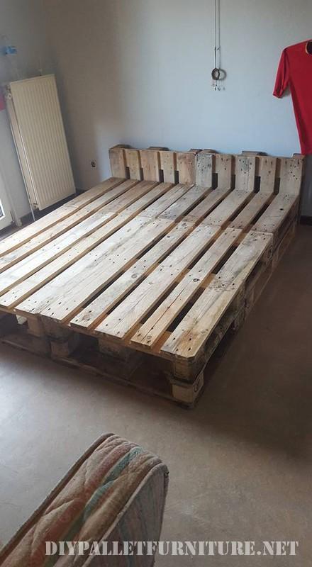 Structure de lit pallet 1meuble en palette meuble en palette for Base de cama hecha con tarimas