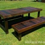 Table et bancs avec une grande finition