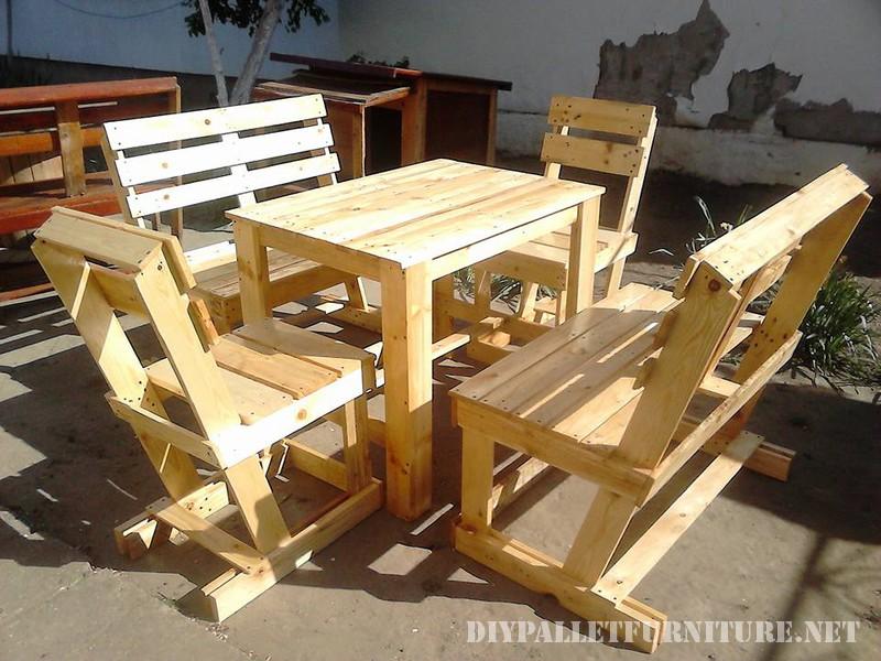 Table et chaises set pour la terrasse 1