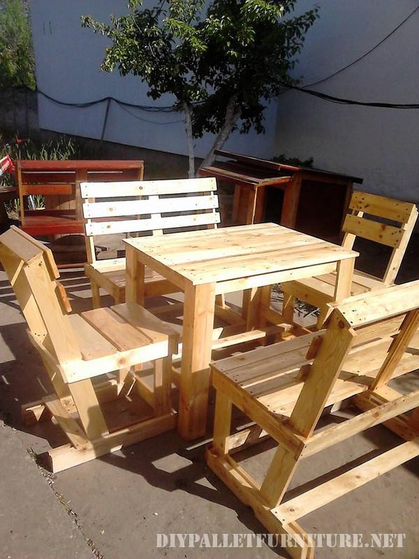 Table et chaises set pour la terrasse 2