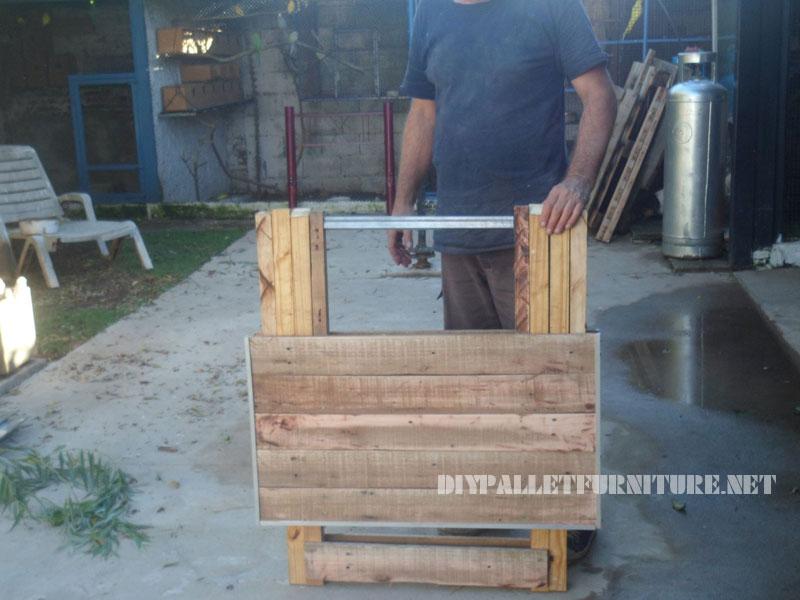 Table pliante avec des palettesmeuble en palette meuble - Construire une table avec des palettes ...