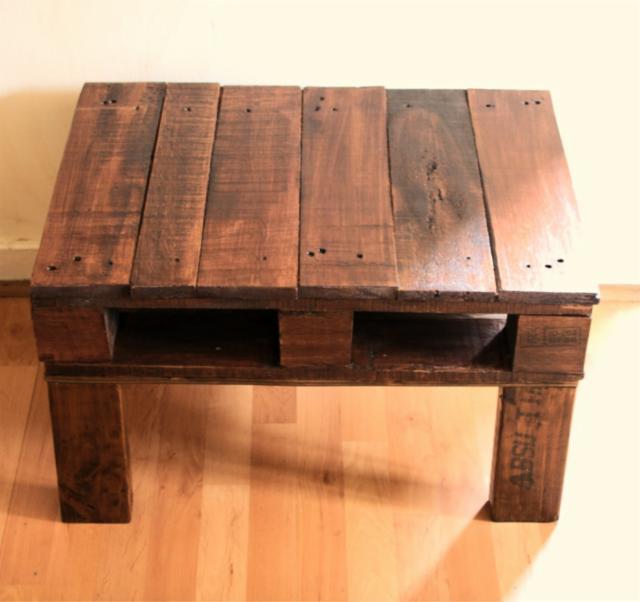 Table rustique avec une palette 2