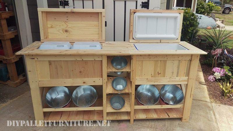Bar extérieur et réfrigérateur avec palettes 1