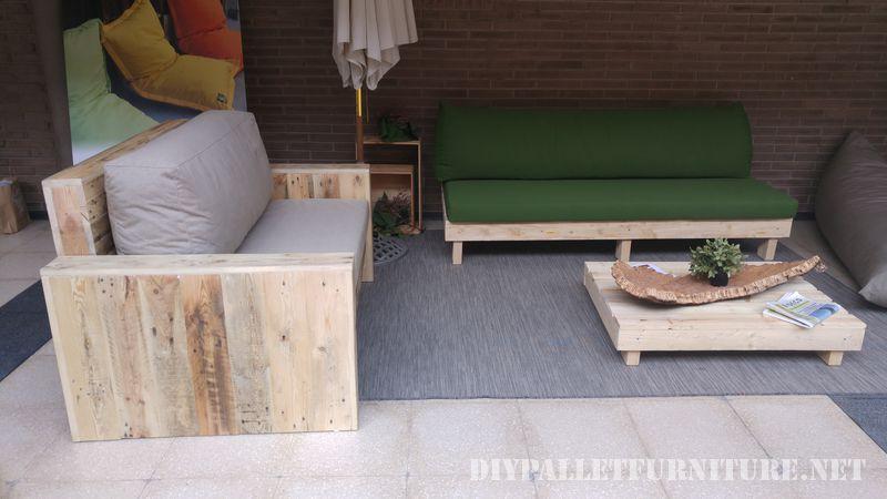 Canapés et fauteuils avec coussins d'origine recyclé 2