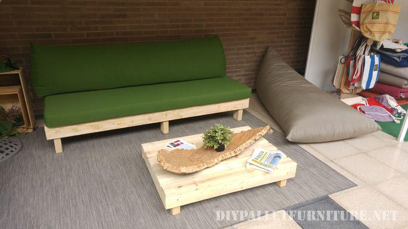 Canapés et fauteuils avec coussins d'origine recyclé 3